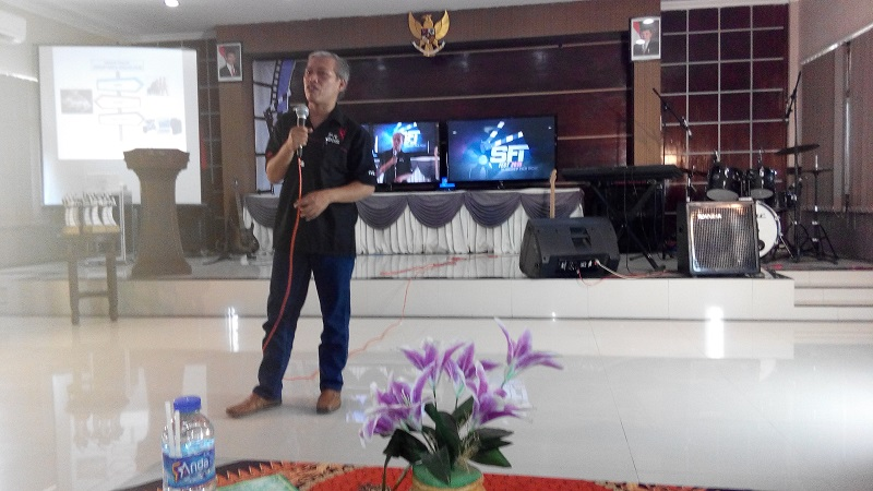 pemateri workshop sinematografi AKNS